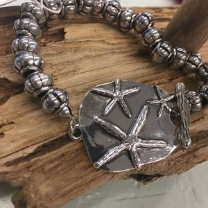 NWT Starfish silver bracelet stretch with toggle